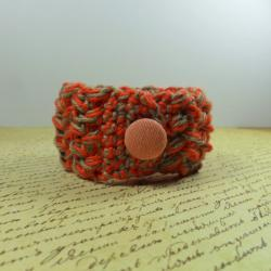 Handmade crochet braclet - orange & beige